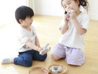 家にあるもので今すぐ遊べる! 子供のクリエイティビティを活かす「16の遊びアイデア」