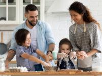 週末は親子でキッチンに立とう。料理をすることで得られる「5つの教育効果」