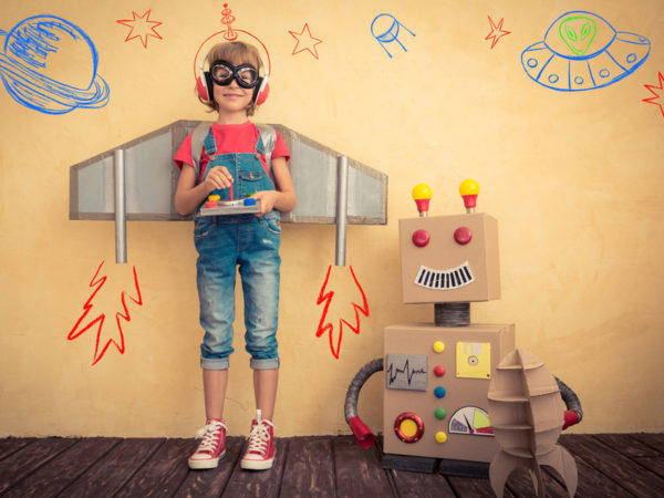 プログラミング的思考を家庭で習得! パソコンを使わずにロボットを動かす木製トイ