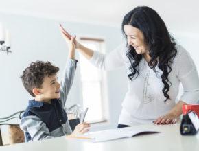 """わが子の""""自己効力感""""を高める教育とは? 幼稚園や学校選びよりも重要な親のスタンス[前編]"""
