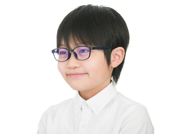 スマホやタブレットから子供の目を守る! ブルーライトカットメガネ『ZoffPC』にキッズサイズが登場