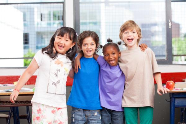 """英語教育に「異文化理解」が必要な3つの理由とは? """"VUCA時代""""の親と子供たち"""