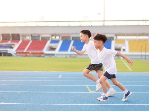 専門家が教える「かけっこ練習法」速く走る5つのコツからおすすめトレーニングまで