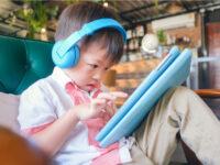 約7割のママが悩むわが子の姿勢改善! 小学生から手軽に取り入れられる対策方法は?