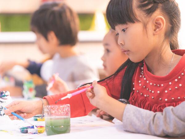 """偏差値重視で「生きる力」は低下している!? 子供に本当に必要な""""触れる教育""""とは"""